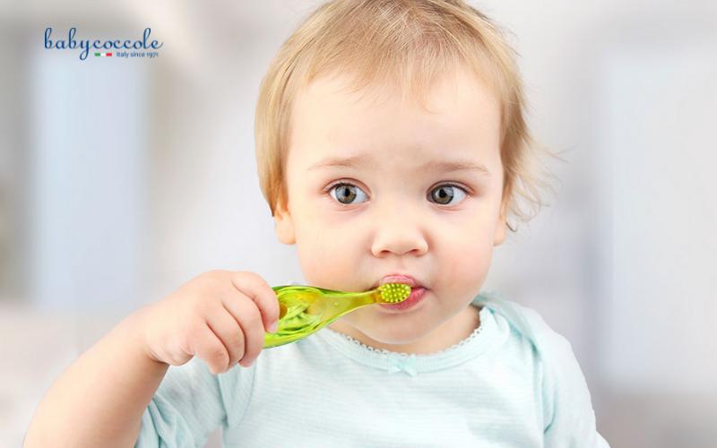 cách vệ sinh răng miệng cho bé